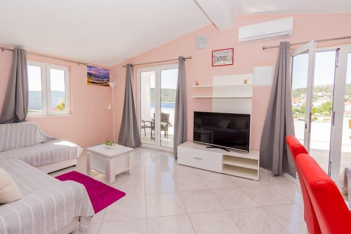 Front beach new apartman Kanica