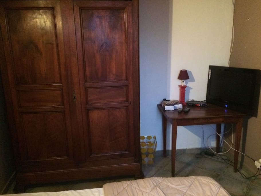 Jolie chambre 15m2 rustique cossu houses for rent in for Chambre 15m2
