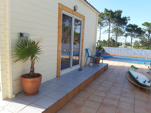 Ideal wooden cabin 2 km from the beach