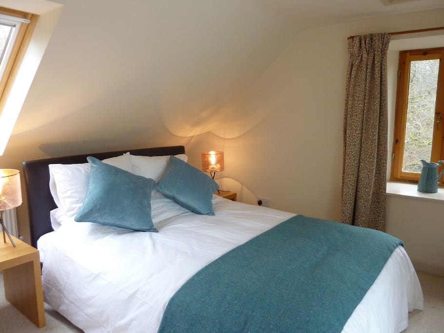 Beautiful king-size bed, with feather and down duvet and crisp cotton bedlinen.
