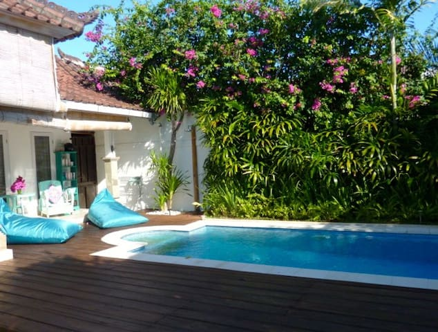 Villa privée Mod 1BR, piscine - Kuta - Villa
