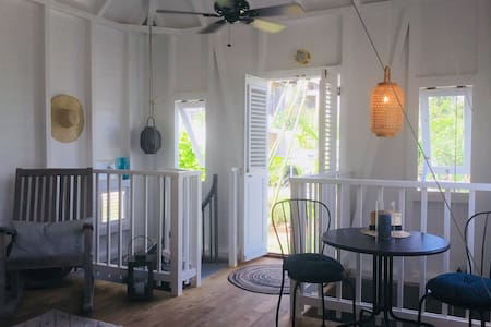 L'Oliveto Cottage 5 min from Beaches!
