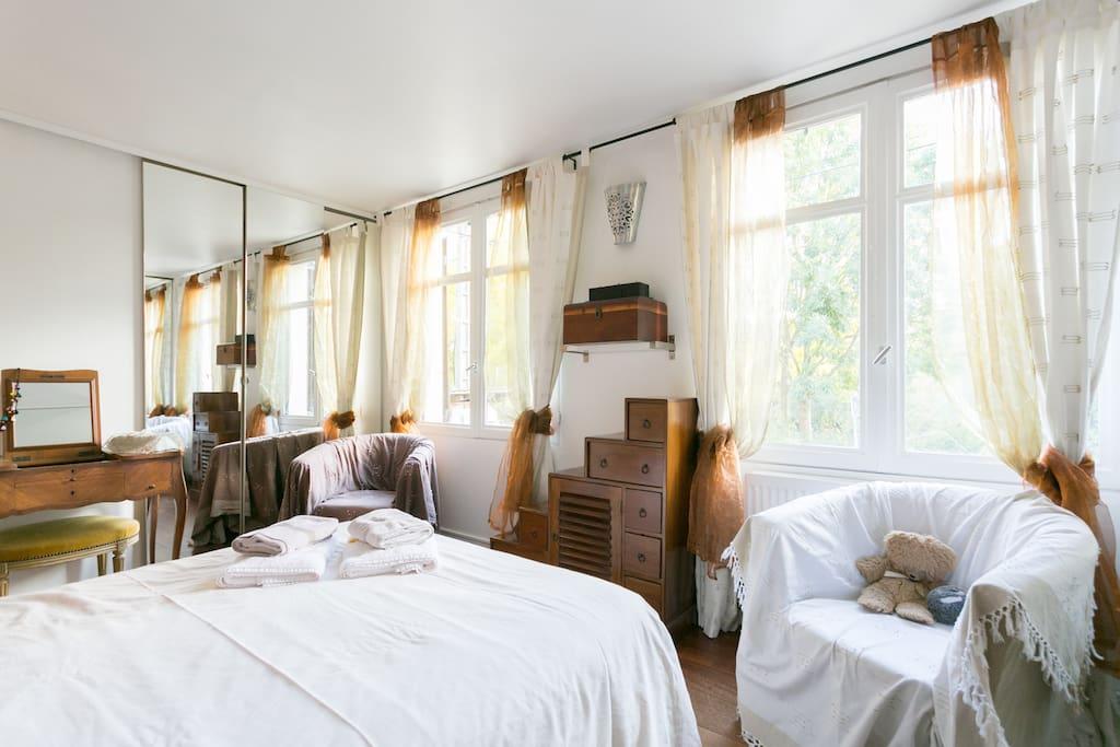 chambre en bord de marne maison d 39 h tes louer chelles le de france france. Black Bedroom Furniture Sets. Home Design Ideas