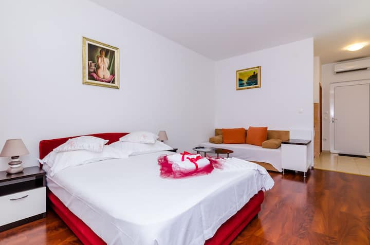 Apartments Aura - Standard Studio with shared swimming pool