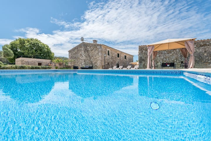 Exclusive property with pool - Villa Son Roig