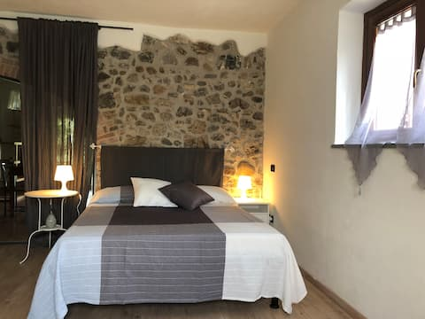 Calzalunga Wide two-rooms apartment in the country
