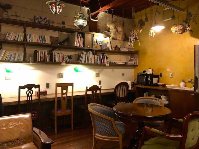 Shizuoka, guesthouse & coffeeshop「Hitoyado」