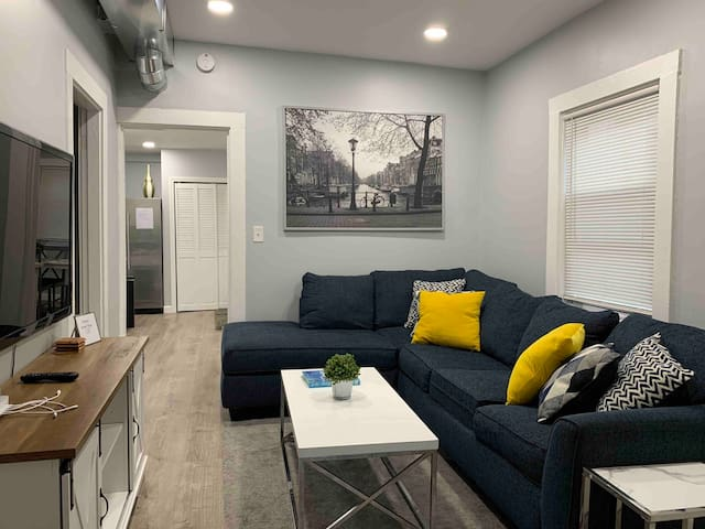 Charming, newly renovated 2 bedrooms