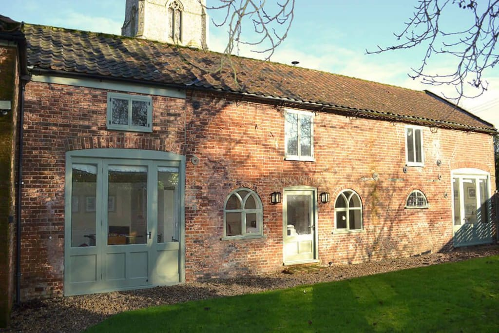 Coach House, sleeping 6, has been lovingly and expertly converted