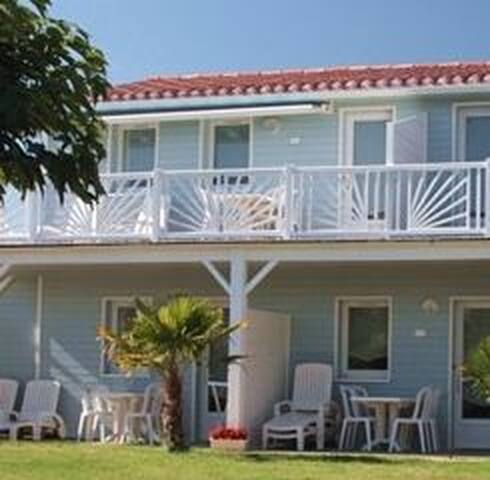 Vacances en bord de mer : Appartement Améthyste - Givrand - Apartemen