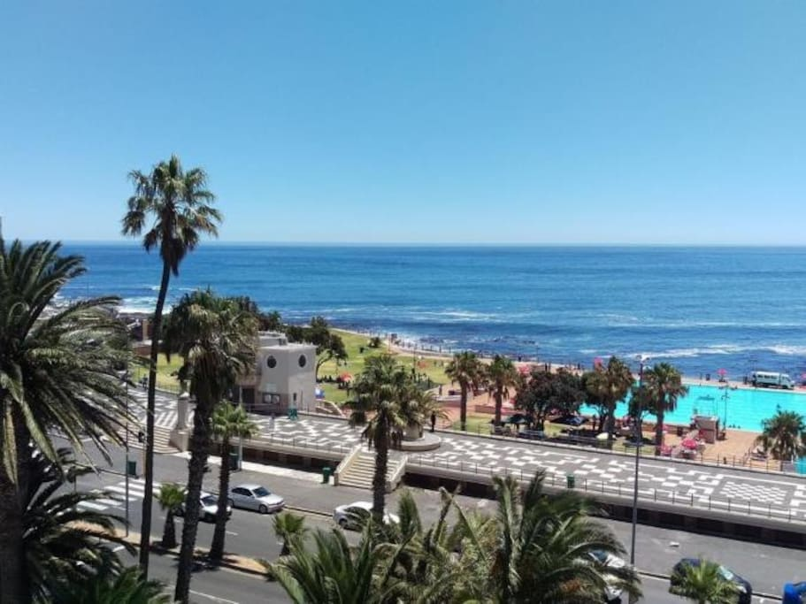 View on the promenade, public swimming pool and ocean from apartment