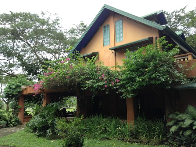 TARA WOODS Leisure Farm - Tanauan