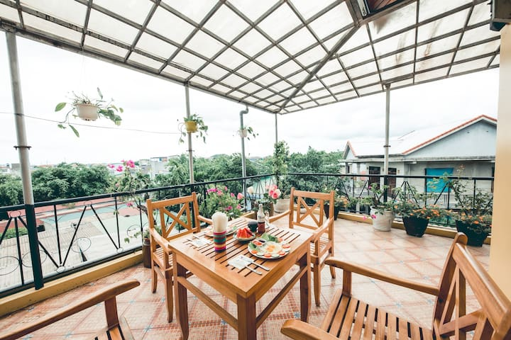 Hillside Homestay Hue -Triple Room (Top Apartment)