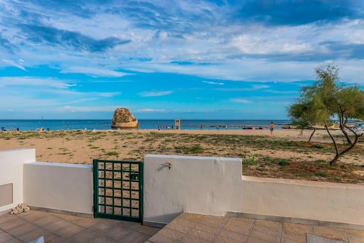 Terrazzino privato con accesso in spiaggia
