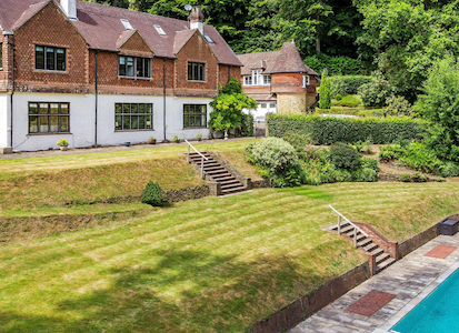 Like a Mini-Country Club in The Surrey Hills - Surrey