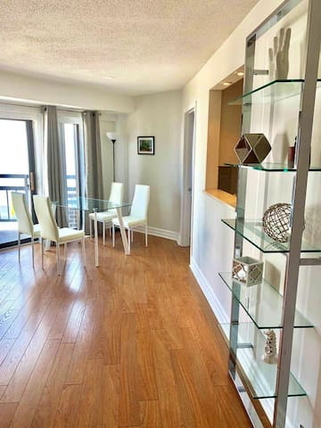 Sleek 2BR in Georgetown with Gym, Pool, W/D