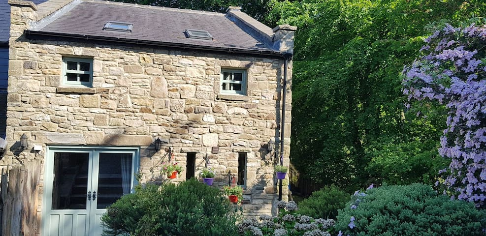 Hill Farm Cottage - Dog friendly, home from home