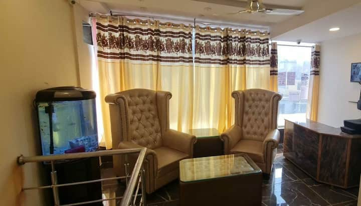 Hotel Star Stay,luxurious experience in East Delhi