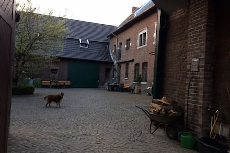 bright Apartment near City Center and CHIO Aachen