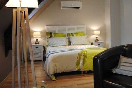 Chambres d'Hôtes Chez Darrouy - Escoubès-Pouts - Penzion (B&B)