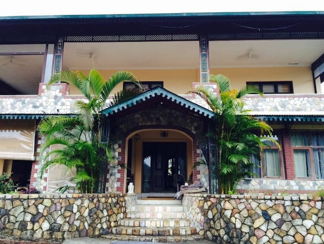 Classically restored rural homestay ( With BF ) - Dehradun - Bed & Breakfast