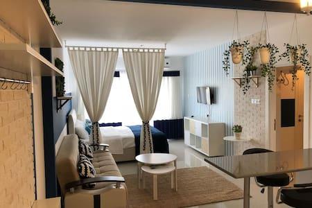 Новая студия с видом на море Luxury Resort Caesar