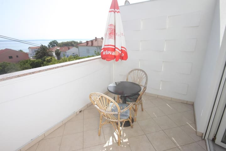 One bedroom apartment with terrace and sea view Preko, Ugljan (A-8267-c)