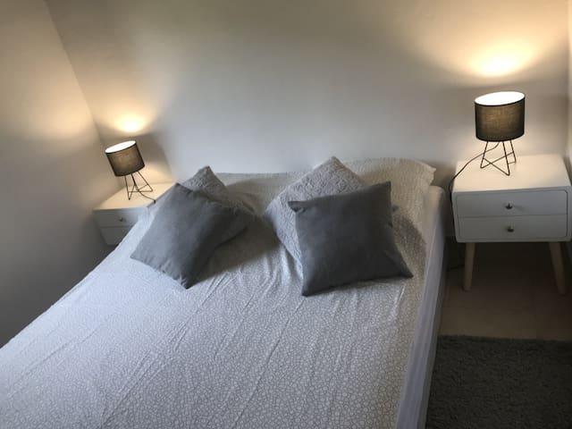 Chambre lit 160 x 200 cm