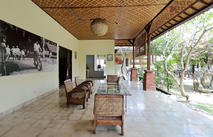 Celuk Kita Art Guesthouse Room 2 - Sukawati