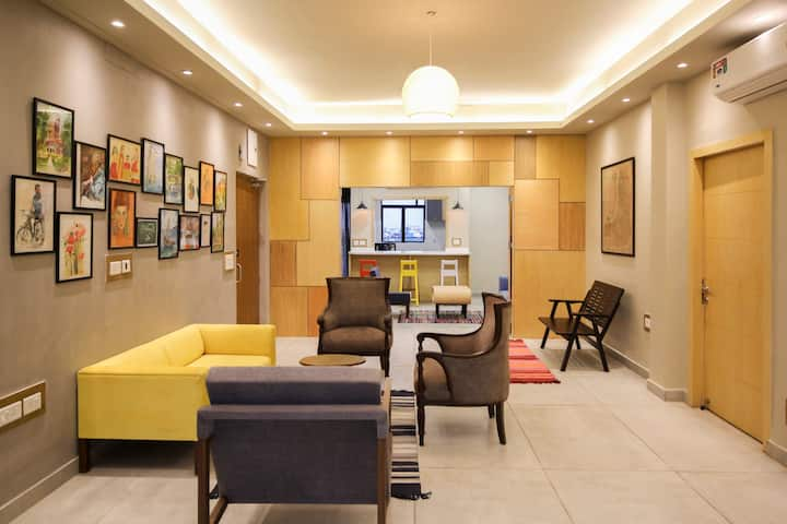 HANDMADE HOMES Golpark : SANITIZED 5 BED ApartmeNT