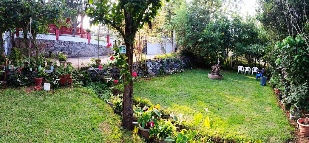 Pear Tree Inn Villa - 2BHK @kotagiri