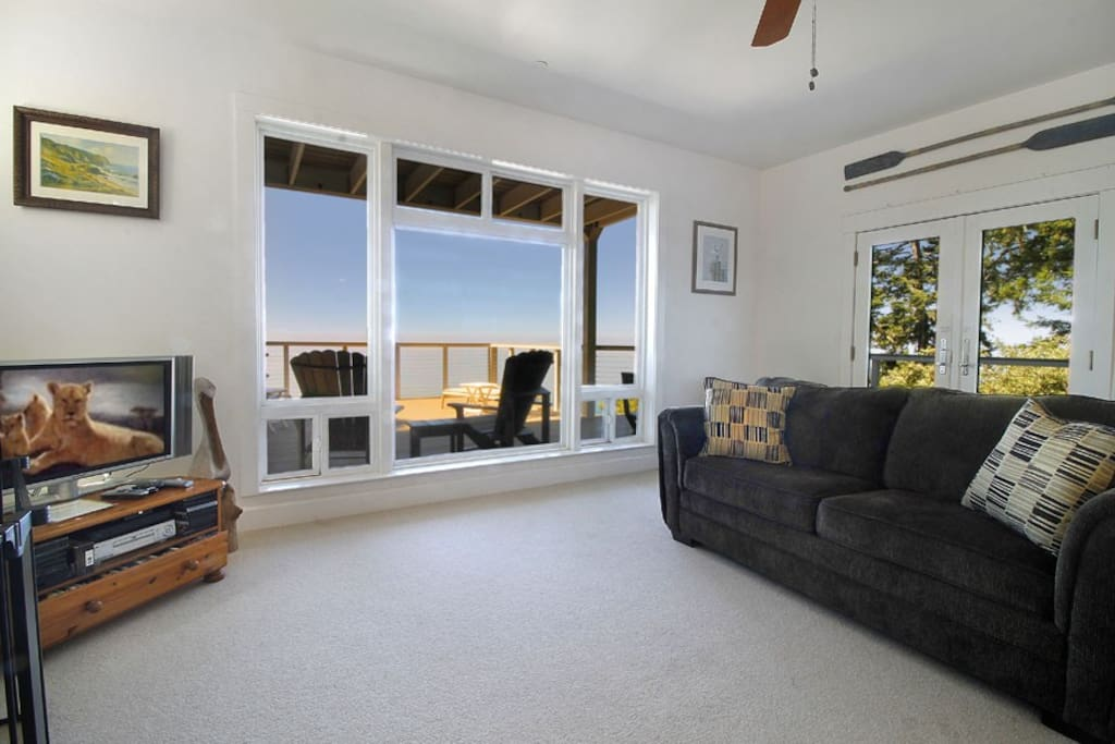 Clarks Cove Living Room to Deck