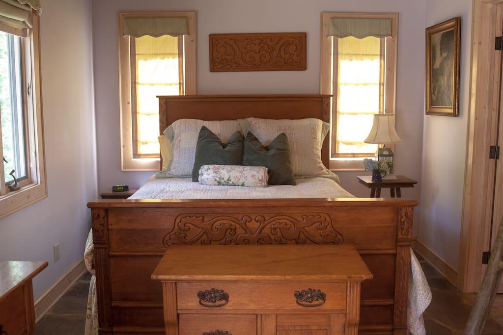 The Utopian Queen Bed