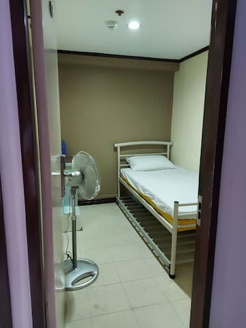 Room sharing (2 persons) along Buendia Makati