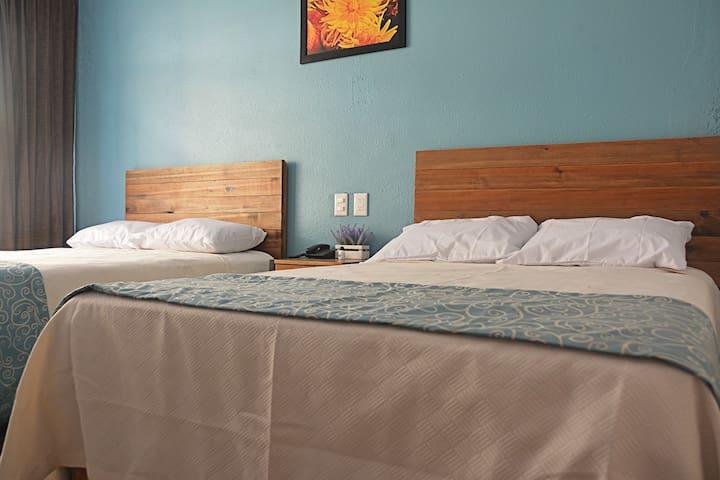303 Hab. dos camas Ind. A/C, TV antena