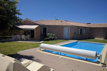 Spendid villa with heated pool - Biganos