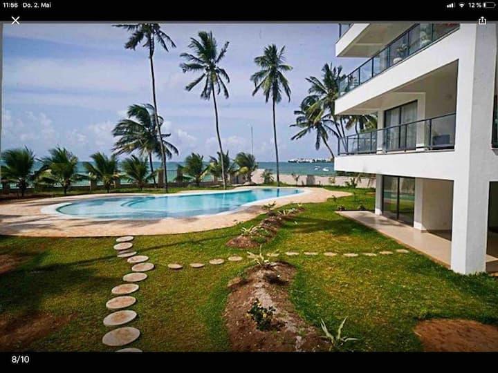 Pirates Beach Luxury Privat  Sea view apartment