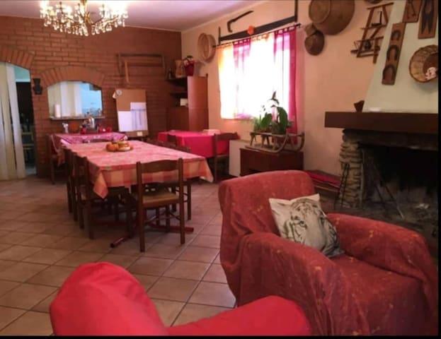 CASA PAOLA (camera quadrupla privata con giardino)