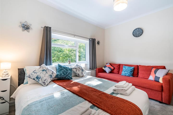 1-Bed Apt Central Watford -Families welcome upto 6