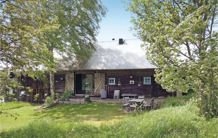 Holiday cottage with 4 bedrooms on 200 m² in Ramkvilla