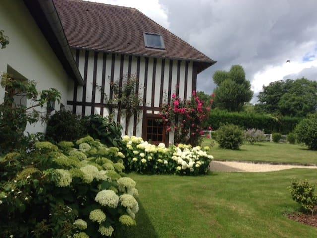 Maison normande au coeur des haras - Saint-Désir - Hus