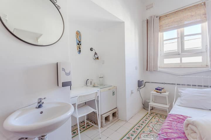 Private fan single room with shared bathroom