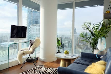 Modern, new, 1 BR downtown with water/sunset view - Vancouver - Apartment