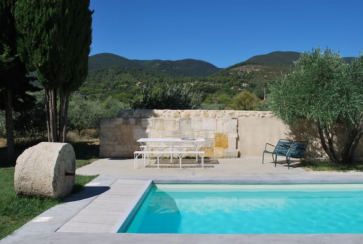 La Grande Bastide - Vaugines - บ้าน
