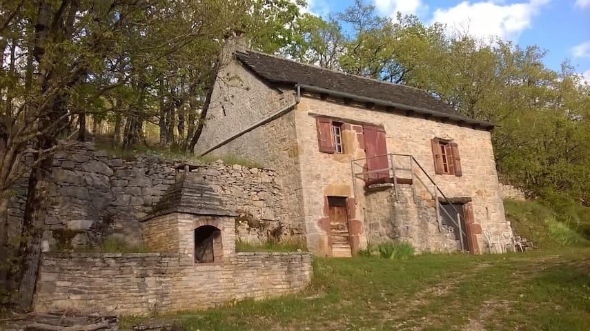 maisonnette sur les hauteurs de la canourgue - La Canourgue - Earth House