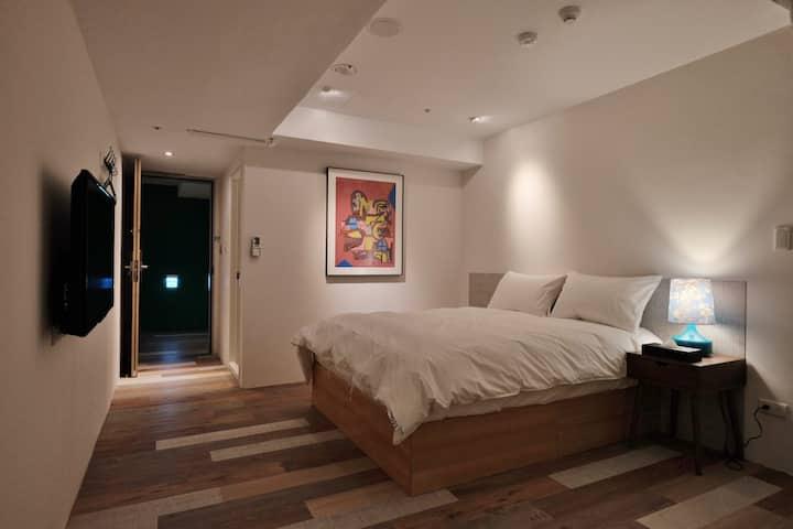 快樂腳 HappyInn & Hostel 雙人房 - 2晚以上優惠訂房