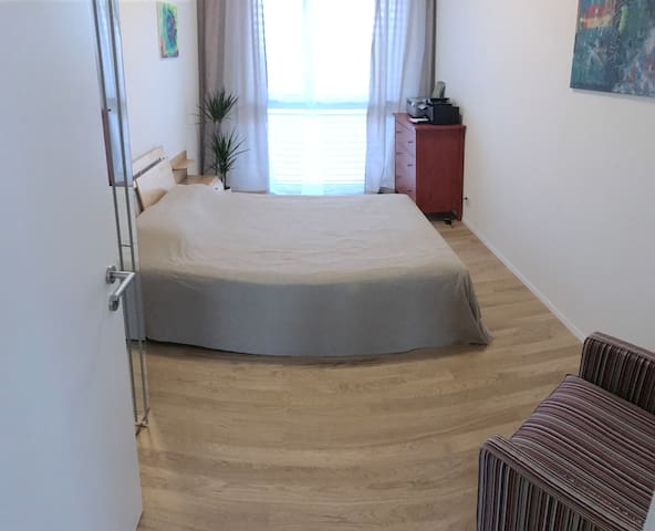 Charming Private Room with separate Bathroom - Emmen - Apartment
