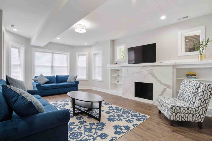 Chicago Newly Remodeled Apartment for 5 Guests.