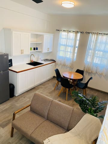 New & very centric apartment 1 min walk from beach