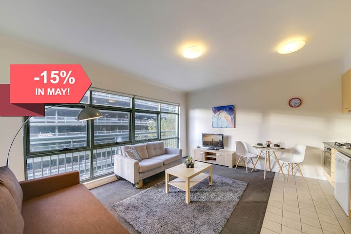 A Homely & Spacious CBD Apartment on Flinders Lane